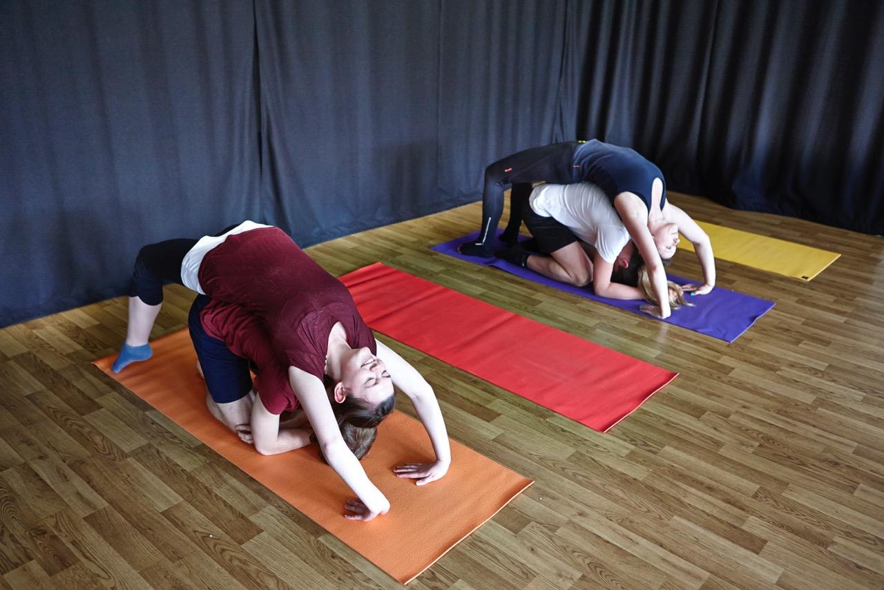 Teen yoga: how it benefits your brain